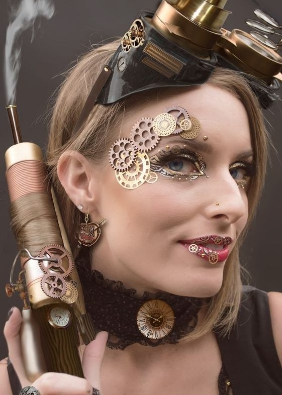 maquillaje steampunk estilo mujer engranajes