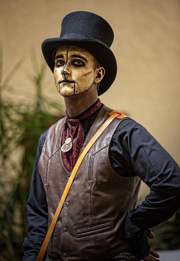 maquillaje dorado steampunk hombre