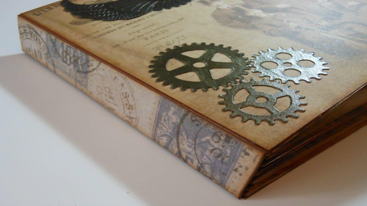 libro decorado con detalles steampunk